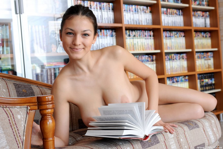 Sofie Porn Photo