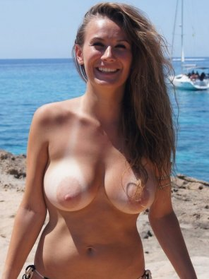 amateur photo Brunette at Beach
