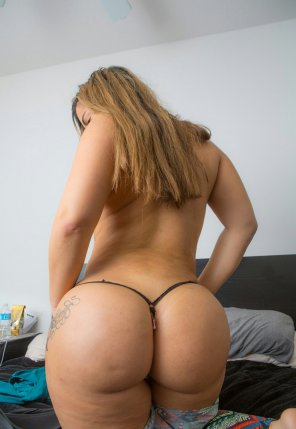 amateur photo Latina thickness