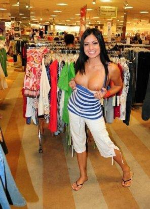 amateur photo Bargain Shopper