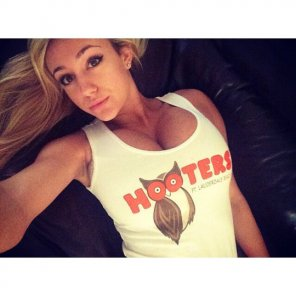 amateur photo Hooters