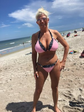 amateur photo milf in pink
