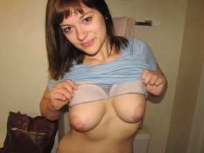 amateur photo Flashing her tits