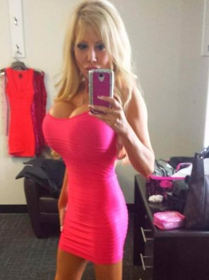 amateur photo Pink dress