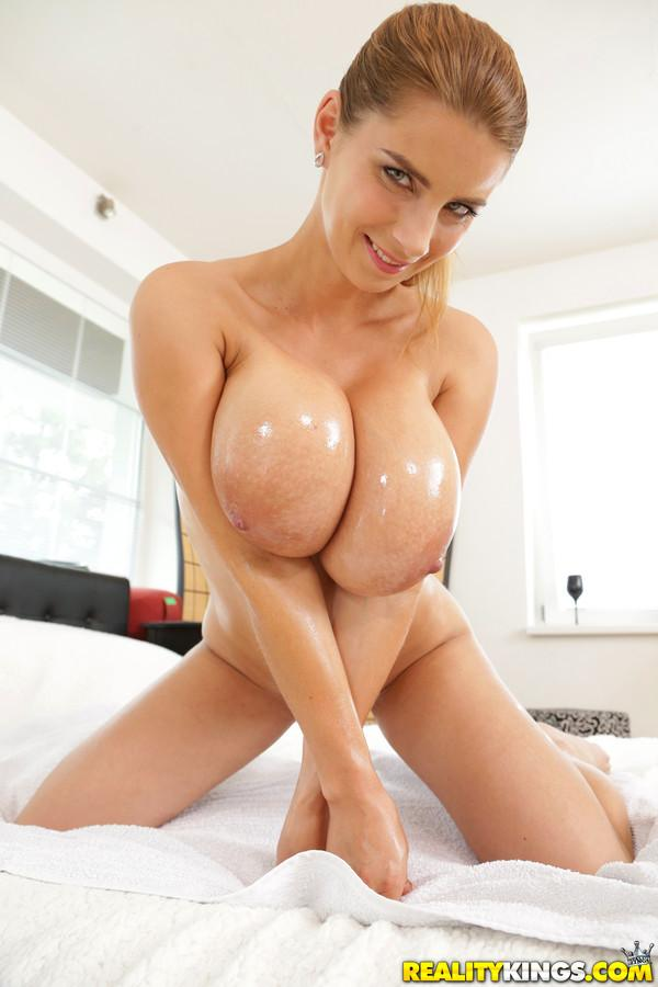 Girls shower cam
