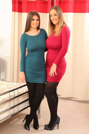 amateur photo Sarah James & Stacey Poole