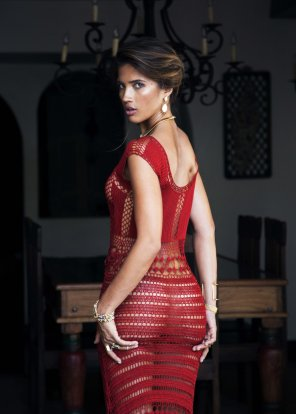 amateur photo Awesome red dress