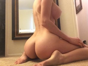 amateur photo Nice and curvy