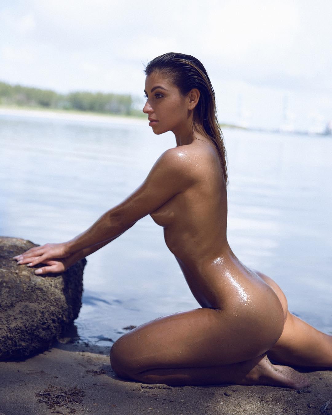 sara evans hot topless