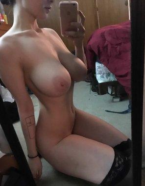 amateur photo selfie boobs