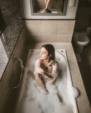 amateur photo Bath time blues