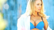 Nicole Aniston in Blue