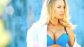 amateur photo Nicole Aniston in Blue