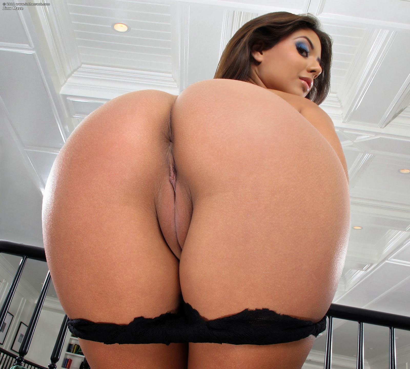 Jynx Maze, rear view. Porn Pic - EPORNER