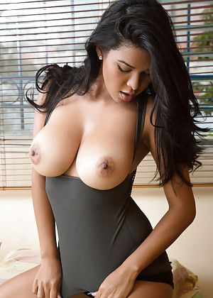 Besplatno bucmast krem porno