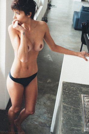 amateur photo Short hair is sexy