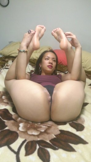 amateur photo Bendy brown girl