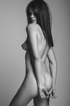 amateur photo Hands behind her back