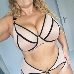 amateur photo Big and Sexy