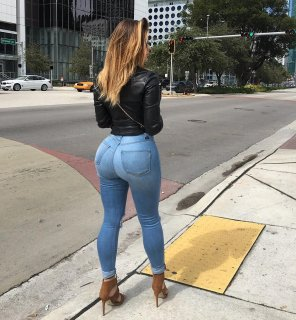 amateur photo Anastasiya Kvitko in tight jeans