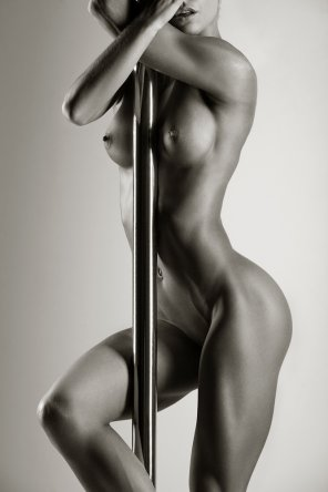 amateur photo Pole Dancer