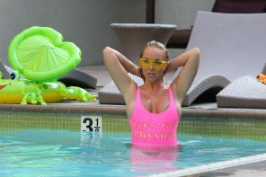 amateur photo Aisleyne Horgan-Wallace