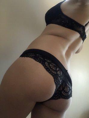 amateur photo Sorry [f]or the potato quality, butt hopefully the booty makes up for it?