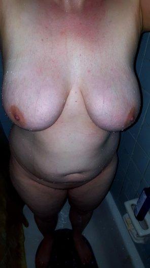 amateur photo [Image] Shower boobs