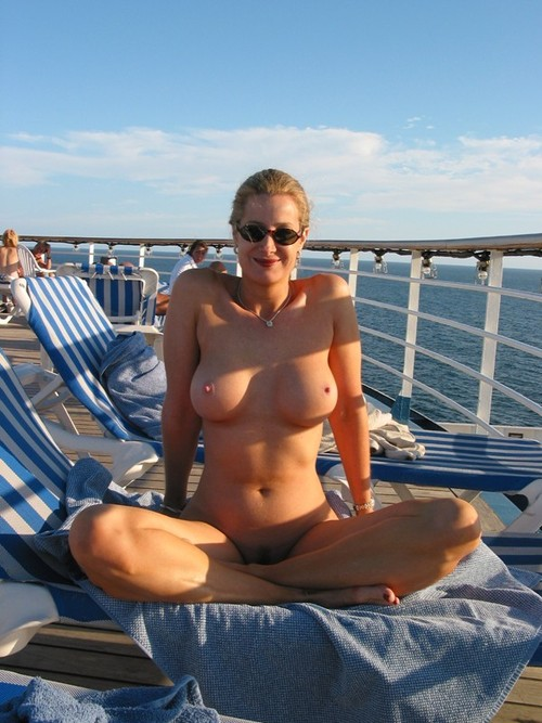 amateur women nude on cruise ship