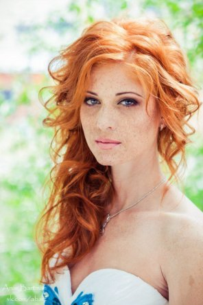 amateur photo Lovely redhead with sexy freckles