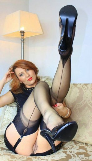 amateur photo Redhead milf in stockings