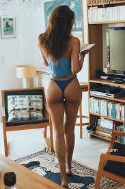 amateur photo Sweet Ass And I Want That Rug