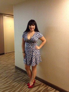 amateur photo Nice dress!
