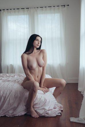 amateur photo She has lusty eyes
