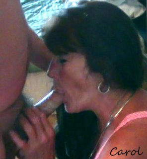 amateur photo Mama loves to suck cock!