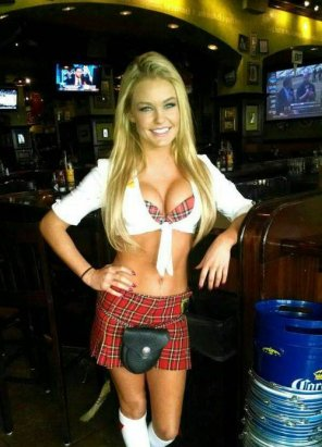 amateur photo Tilted Kilt Girl
