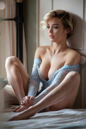 amateur photo Blonde in blue