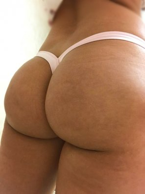 amateur photo [F] Thong of the day!!! Today I have on a light pink Vback thong!!
