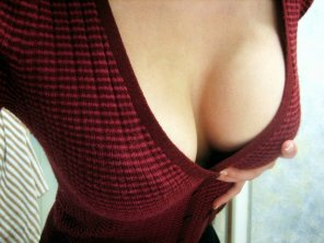 amateur photo Sweater