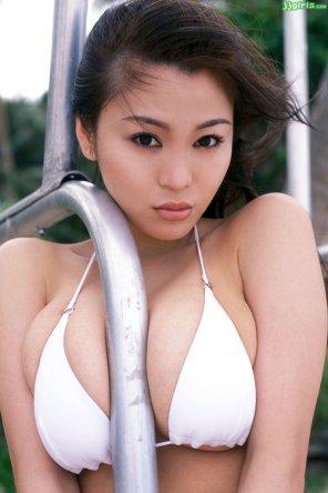 amateur photo Yoko Matsugane and a very lucky metal tube