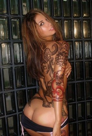 amateur photo Hot tattooed babe