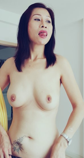 amateur photo IMAGEApple sized titties [Image]