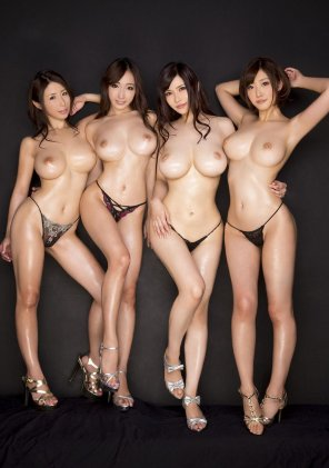 amateur photo Four oiled Asians