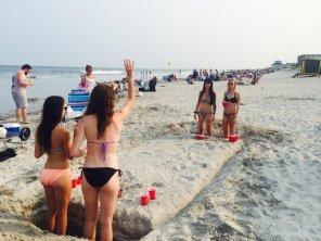 amateur photo Beach Beer Pong