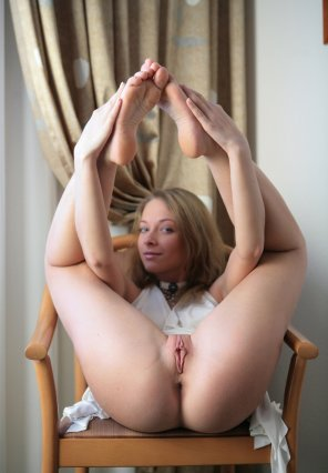 amateur photo Sitting in a chair