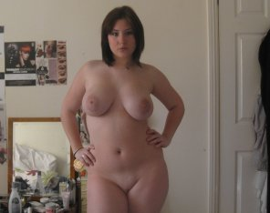 amateur photo Naked in her room