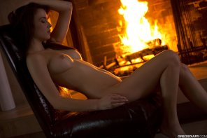 amateur photo Keeping warm by the fire