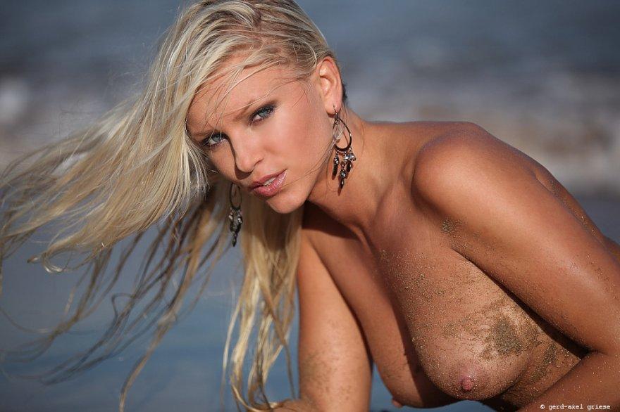 Sandy Porn Photo