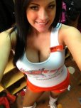 amateur photo Hooters girl