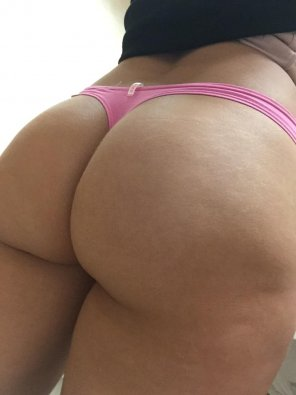 amateur photo [F] Thong of the day!!! PINK thong, enjoy